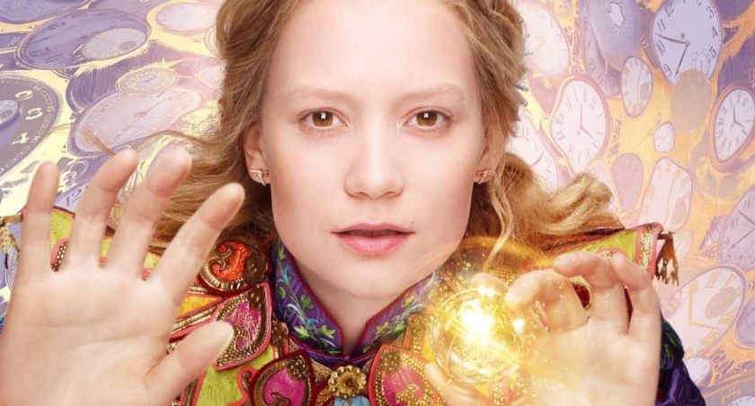 Alice-looking-glass-wasikowska